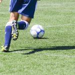 サッカー日本代表の内田篤人選手がヨガに初挑戦